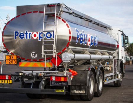 Groupe Petropol - Camion Citerne - Mobil Tahiti